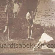 1928. Սմբուլենց բակում