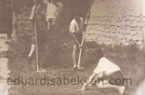 1928. In the yard of Smbul